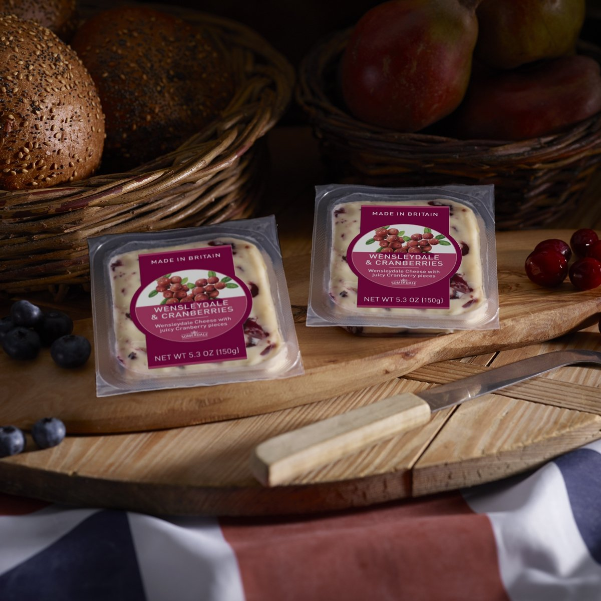 WENSLEYDALE WITH CRANBERRIES CHEESE 180-200GM/PC